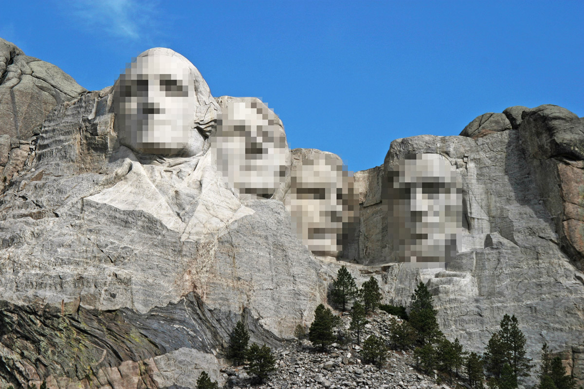 Dean_Franklin_-_06.04.03_Mount_Rushmore_Monument_(by-sa)-3_new
