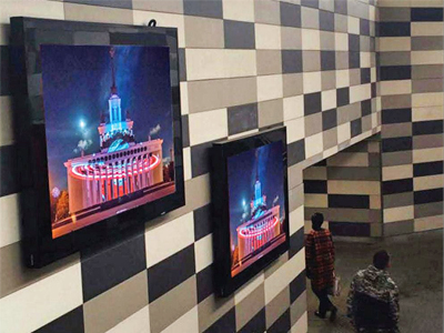 Видео-реклама в метро